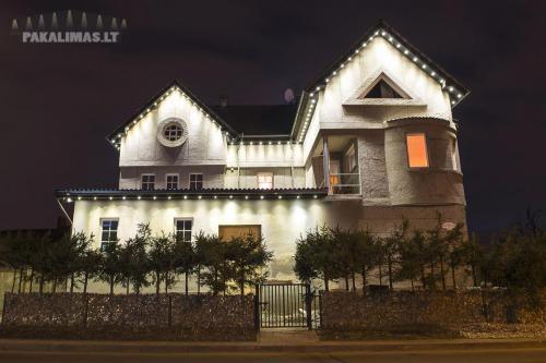 Aukšto namo pakalimas su 1W LED šviestuvais 1