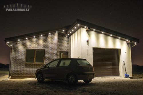 Privatus namas 1W LED šviestuvai pakalimuose su terasa 2